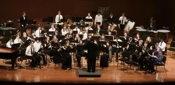 Image of DHS concert band performing on stage
